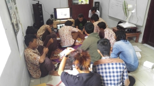 BNNP JATIM 3 pelatihan service handphone at PLATO 1 (5)